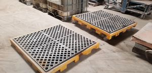 Spill containment pallets for Sale in New Baltimore, MI
