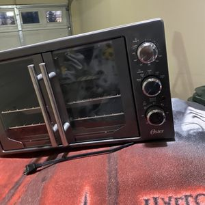 Oster French Door Oven With Convection for Sale in Tacoma, WA