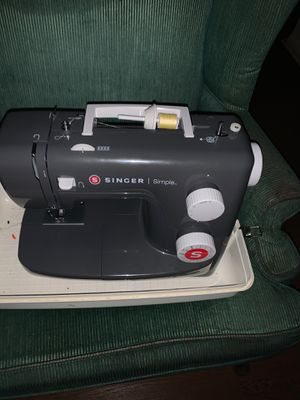 Sewing machine for Sale in Columbia, SC