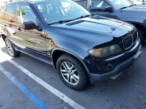 Vendo BMW x5 año 2006 3.0i con 142 mil millas originales CD AC trabaja vien for Sale in Santa Ana, CA