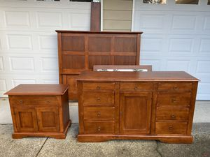 Gorgeous solid hardwood queen bedroom set. Bed frame, large dresser, mirror, one nightstand. for Sale in Puyallup, WA