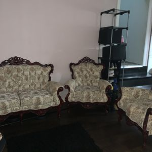 Victorian Style Sofa Set for Sale in Vallejo, CA
