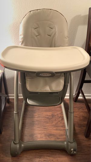 Graco high chair for Sale in Fontana, CA