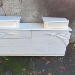 Beautiful White Dresser for Sale in SeaTac,  WA