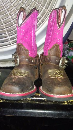 toddler girl boot for Sale in Des Moines, IA