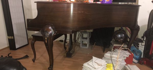 "Used ""Standard"" Hardman, Peck & Co. Baby Grand piano"
