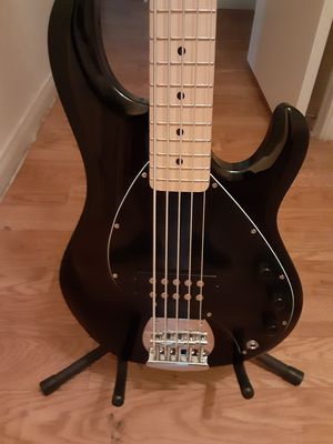Musicman sterling 5 bass/ peavey grind 5 bass for Sale in Tucson, AZ