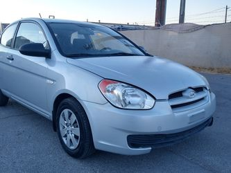 2009 HIUNDAY ACCENT* MANUAL TRANSMISSION* 120000 MILES* 4 CILINDERS* IT RUNS AND DRIVES* CLEAN TITLE* SE HABLA ESPAÑOL* for Sale in Las Vegas,  NV