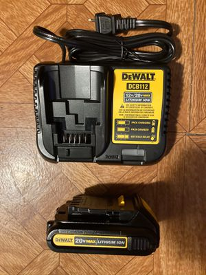 DeWalt. 20V MAX Lithium Ion Charger and 1.5Ah Battery Pack. for Sale in Brooklyn, NY