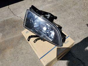 Hyundai Sonata Right Fog Lamp for Sale in Los Angeles, CA