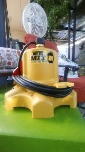 Water Bug Pump Empty your pool down to 1/16th of an inch basically dry Newest technology fantastic tool for Sale in Laveen Village, AZ