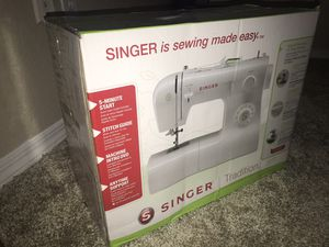 Singer Sewing Machine for Sale in Austin, TX