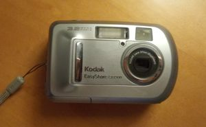 Kodak CX7300 3.2 MP Digital Camera for Sale in Chicago, IL