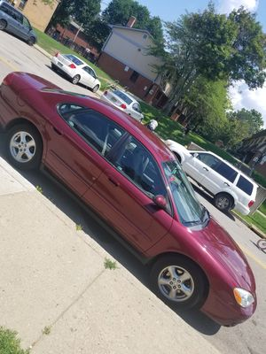 FORD TAURUS 2004 for Sale in Pittsburgh, PA