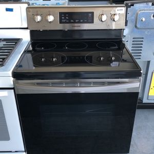 BRAND NEW SAMSUNG STAINLESS STEEL ELECTRIC GLASS TOP STOVE for Sale in Las Vegas, NV
