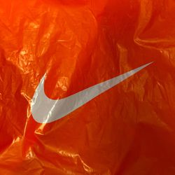 I will pay a friend to let me go shopping at the Nike employee store 150 bucks for Sale in Vancouver,  WA