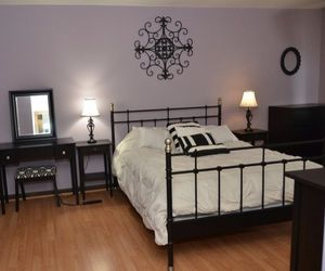 Queen Bed frame and end tables for Sale in Oak Lawn, IL