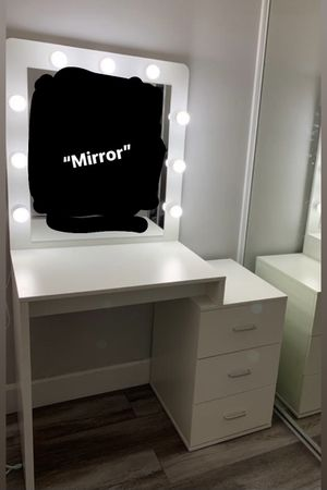 Makeup Vanity Desk for Sale in Anaheim, CA