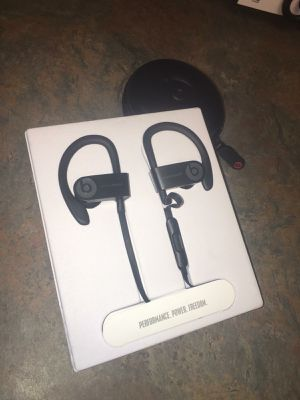 Power beats 3 like new condition$120 for Sale in Dallas, TX