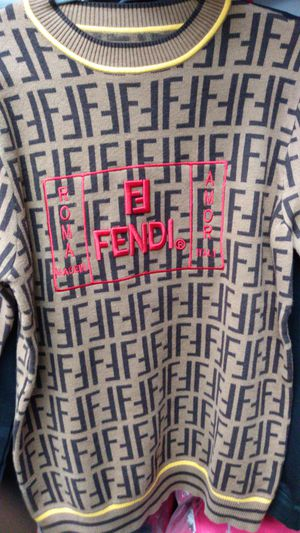 Fendi sweater size L for Sale in New York, NY