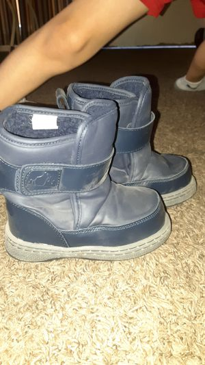 Snow boots size 10 kids for Sale in Phoenix, AZ
