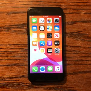 iPhone 7 Carrier Unlocked 32GB Matte Black iCloud Clear Clean IMEI for Sale in Fresno, CA
