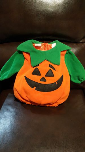 Pumpkin Costume for Baby 6 - 18 months for Sale in Everett, WA
