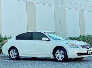 One Family owners 2008 Nissan Altima S A/ c recently for Sale in Richmond, VA