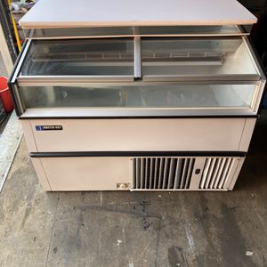 4 Ft Ice Cream Freezer counter style Master Bilt for Sale in The Bronx, NY