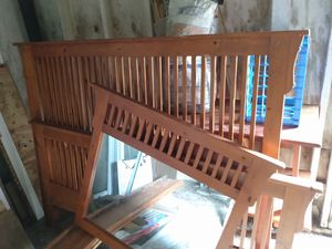 Bed and mirror set for Sale in New Bern, NC