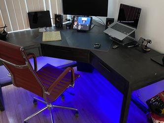 "Pierce Black Corner 62"" Desk for Sale in El Segundo,  CA"