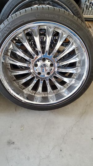I have F5 rims 22 inch lug 5 2 3/4 bolt patter 5x115 for Sale in North Las Vegas, NV
