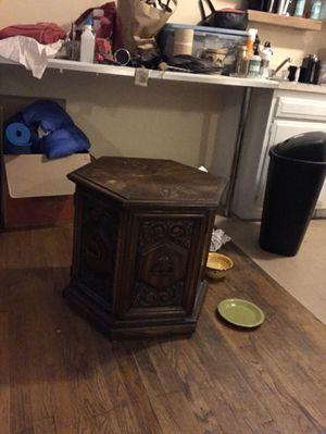 End table/hutch for Sale in Boston, MA