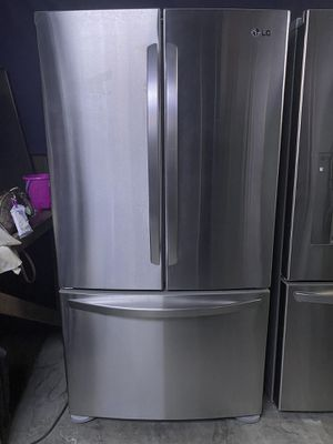 LG French Door Refrigerator Stainless Steel for Sale in Pomona, CA