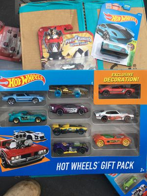 HOT WHEELS HARD TO FIND GIFT PACK WITH HONDA S-2000 WITH 5 SPOKES WHEELS for Sale in San Jacinto, CA