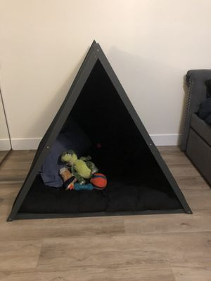 Dog bed - Tent for Sale in Seal Beach, CA