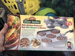 Brand new mini burger maker ! Classic ! for Sale in Kearny, NJ