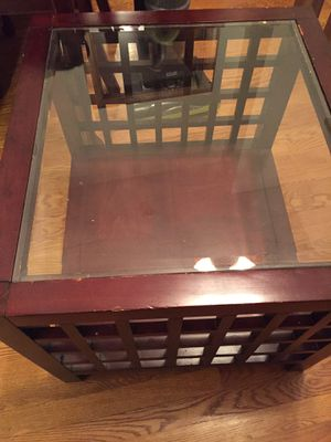 Class coffee table for Sale in Wake Forest, NC