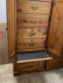 Pine pier Cabinets Qty 2 for Sale in Bonney Lake,  WA