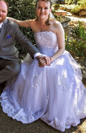 Beaded tulle wedding dress for Sale in Redmond, WA