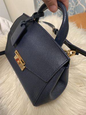 Tumi crossbody bag limited edition for Sale in Fort Washington, MD