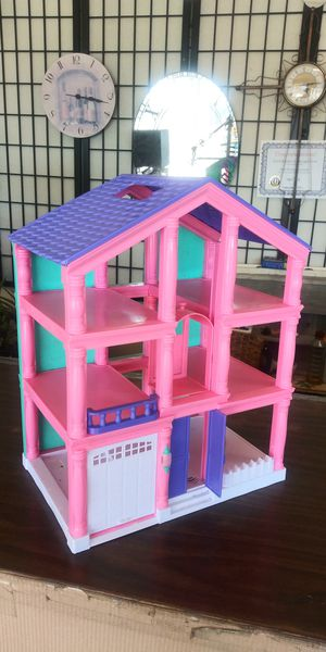 Little Doll House for Sale in Lancaster, TX