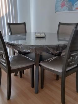 Dining Room Set, Round Table with 4 Chairs, color Grey for Sale in El Cajon,  CA