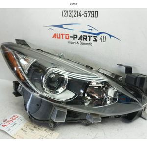 2014 2015 2016 MAZDA 3 RIGHT PASSENGER HALOGEN HEADLIGHT OEM UC43986 for Sale in Compton, CA