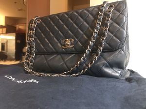 CHANEL Navy Quilted Caviar Leather Bag [Authentic] for Sale in Las Vegas, NV