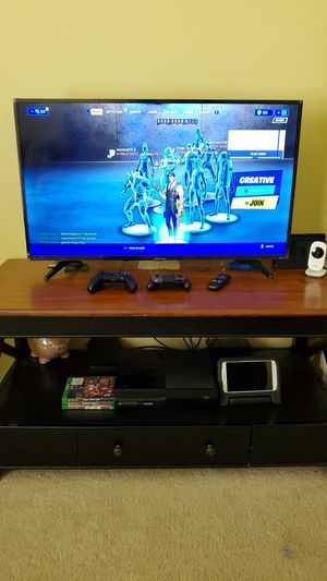 Tv stand for Sale in Winter Haven, FL