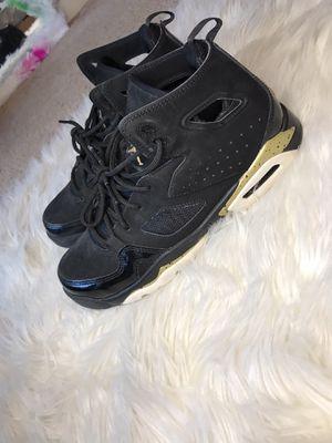 Jordan's __ size 6.5y in boys for Sale in Minneapolis, MN