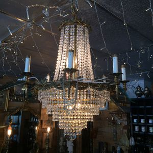 Large Glamorous 8 Arm Crystal Chandelier for Sale in Jensen Beach, FL