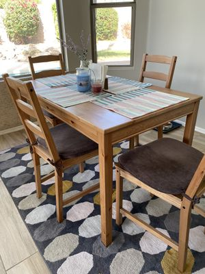 Wooden table and chairs kitchen set for Sale in Phoenix, AZ