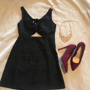Dress, Heels, Necklace for Sale in Arlington, WA